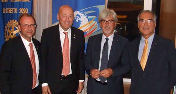 Il Dott. Alberto Oliveti entra nel Rotary Club Senigallia