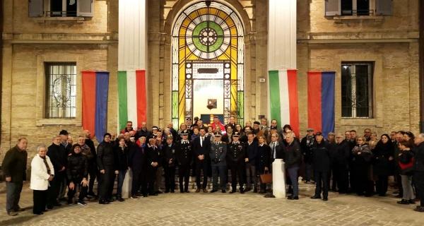 I club service senigalliesi uniti per illuminare insieme il Monumento ai Caduti